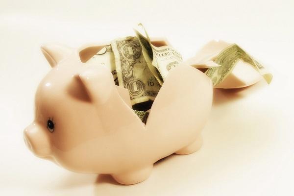 引き寄せの法則に従って、お金を稼ぐ9つの方法