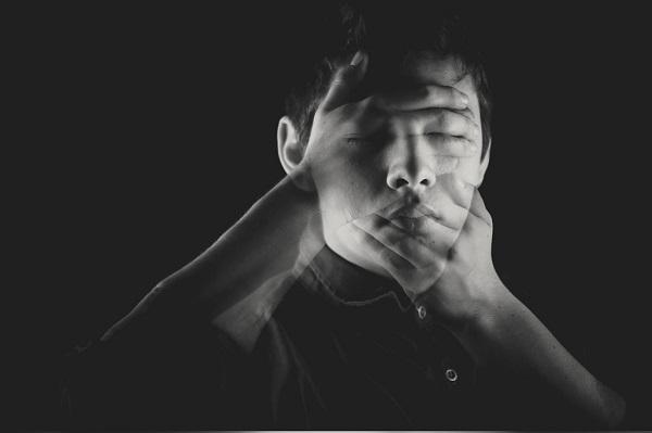 つらい頭痛の原因、ストレスを緩和する9つの方法