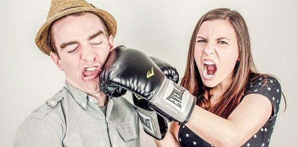 イラっとくる同居のストレスを軽減させる9つの方法