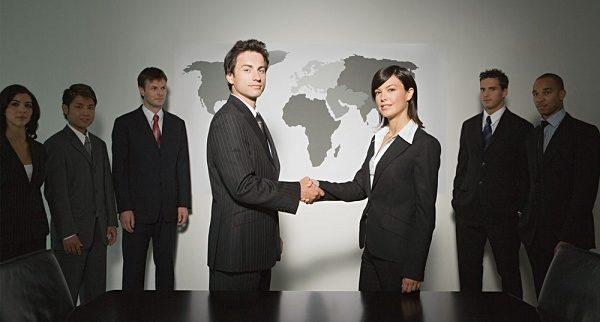 職場の人間関係で孤立しない為に行うべき9つの行動
