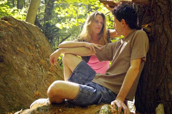 ボディタッチの心理を理解して相手との距離を縮める7つの方法
