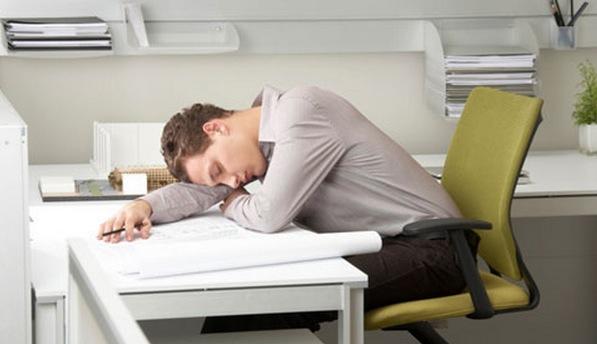食後の睡眠の正しいとり方を知って、集中力をキープする9つの方法