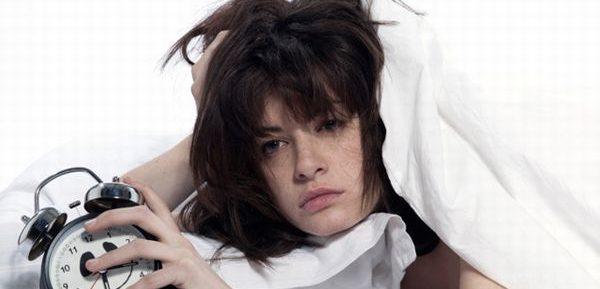 睡眠不足症候群があなたの身体を蝕む9つの理由