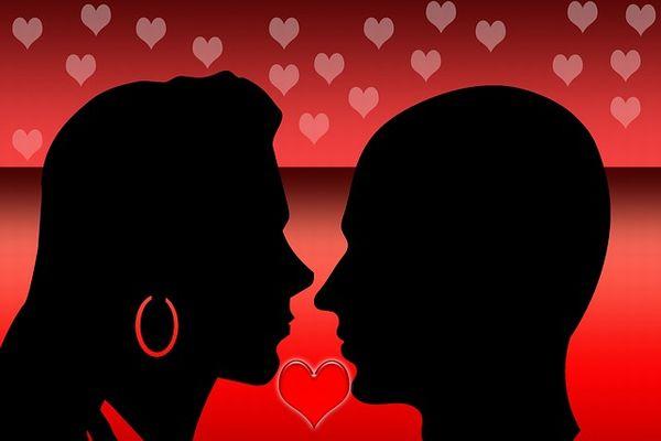 見つめ合うだけで恋人関係が2倍深まる7つの心理