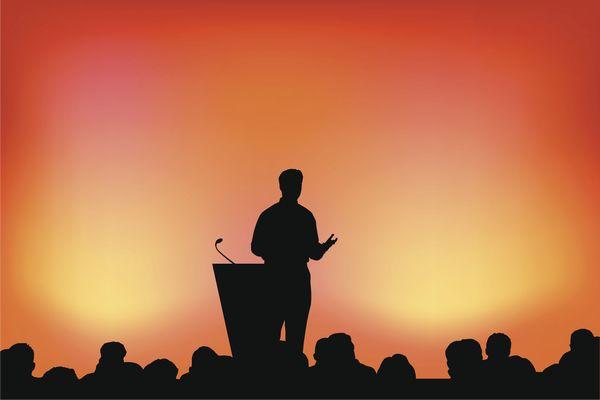 スピーチのコツを極めて 会場を一気に盛り上げる方法