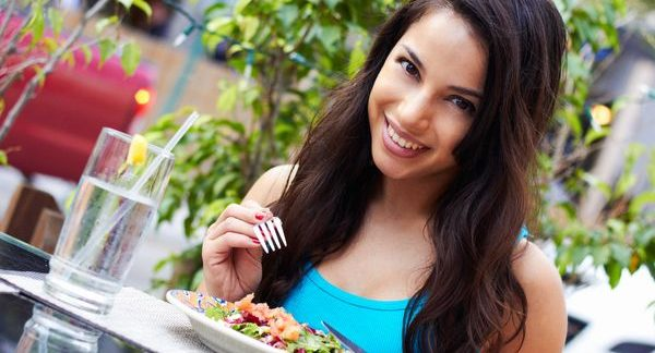 疲労回復の鍵は食事にあり!今すぐ改善できるポイント解説