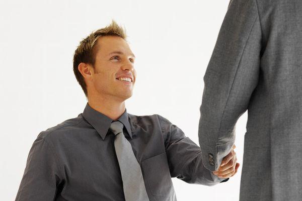 同僚にモテる男の条件とは?人間関係を円滑にする基礎テク