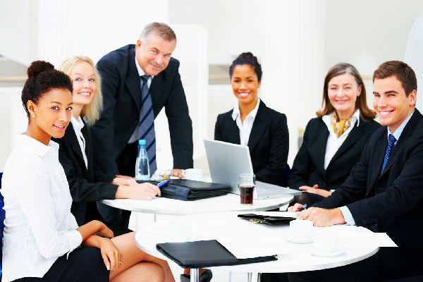 職場の人間関係がどんどん円滑になる5つのシンプル会話術