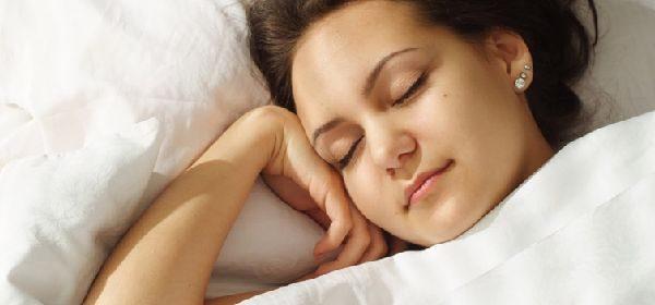 不眠症の原因を知り、「グッスリ快眠生活」を取り戻す5つの方法