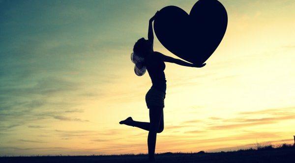 引き寄せの法則を使えば恋愛が苦手な人でも恋人ができる!