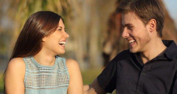 ポジティブな会話を使ってデートを盛り上げる5つの技