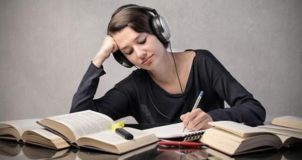 勉強の集中力は音楽でキープ♪意外で簡単5つの使い方