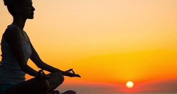 不眠症が自然に治る!毎日10分でできる5つの瞑想法