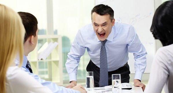 会社に行きたくない。パワハラが酷い上司への対処法