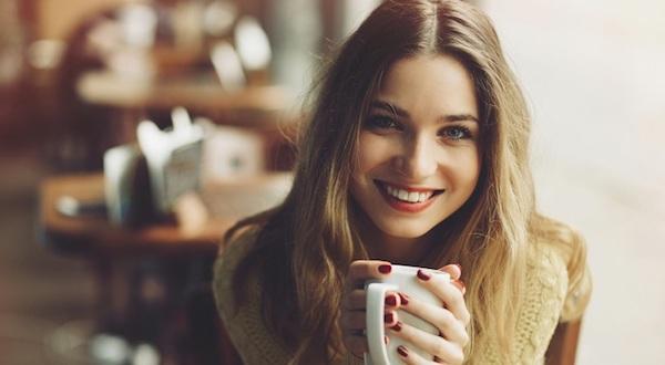 仕草から女性心理に気づく7つのテクニック