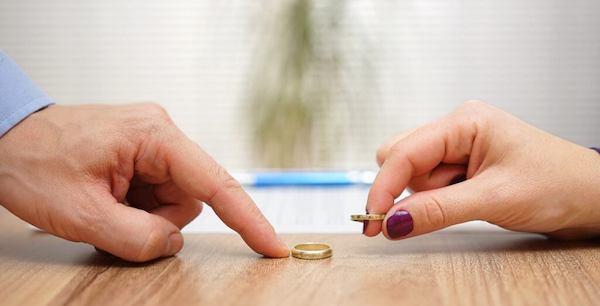 熟年離婚で後悔しないために知っておくべきこと