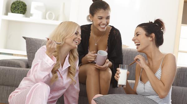 女友達に恋愛相談する時に注意する5つの事